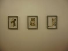 Anne Houel, Bunker Archéologie, ciment et vernis antirouille, 2014. Ensemble de 9 dessins encadrés (format 42x32cm), 6 horizontaux, 3 verticaux.